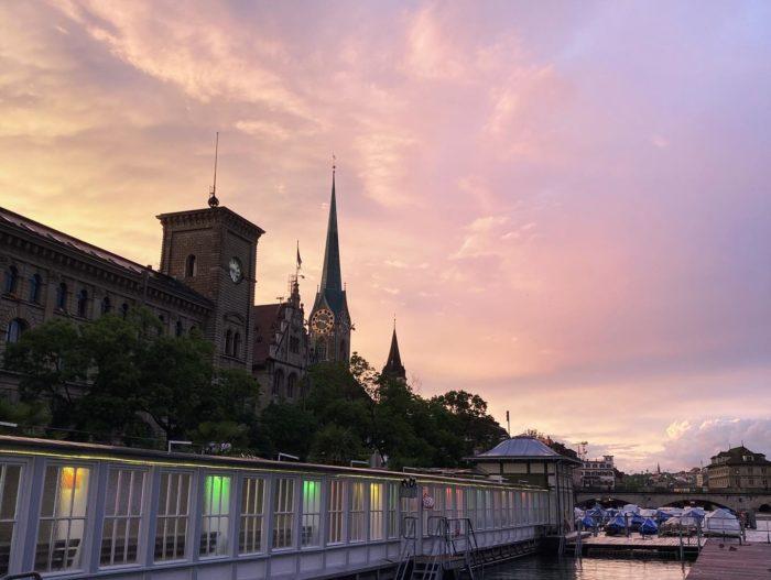 Barfussbar Zürich – haut sie uns aus den Socken?
